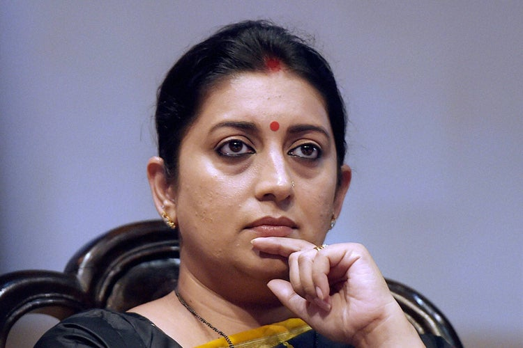 Smriti Irani thanks FDCI for setting up the COVID-19 support fund
